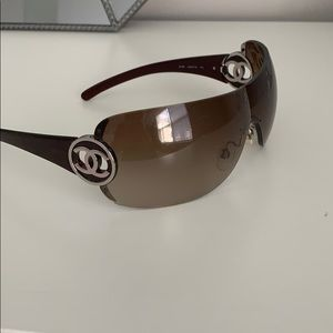 Chanel Sunglasses ideal condition!